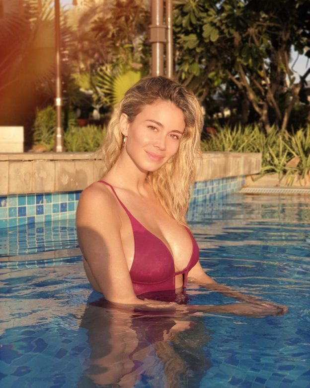 Diletta Leotta Sexy Pool Pics, Hot Body
