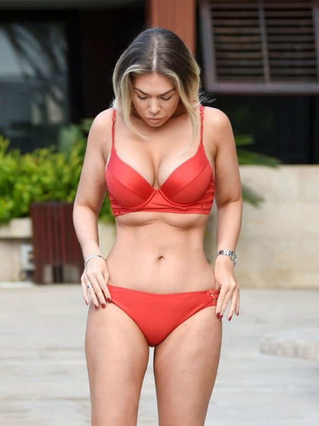Frankie Essex Sexy Pool Pictures
