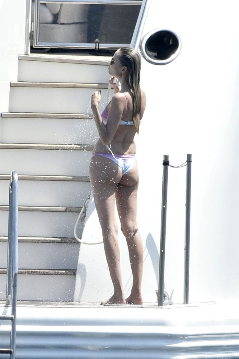 Natasha Poly Hot Pictures, Wet Fuckable Body