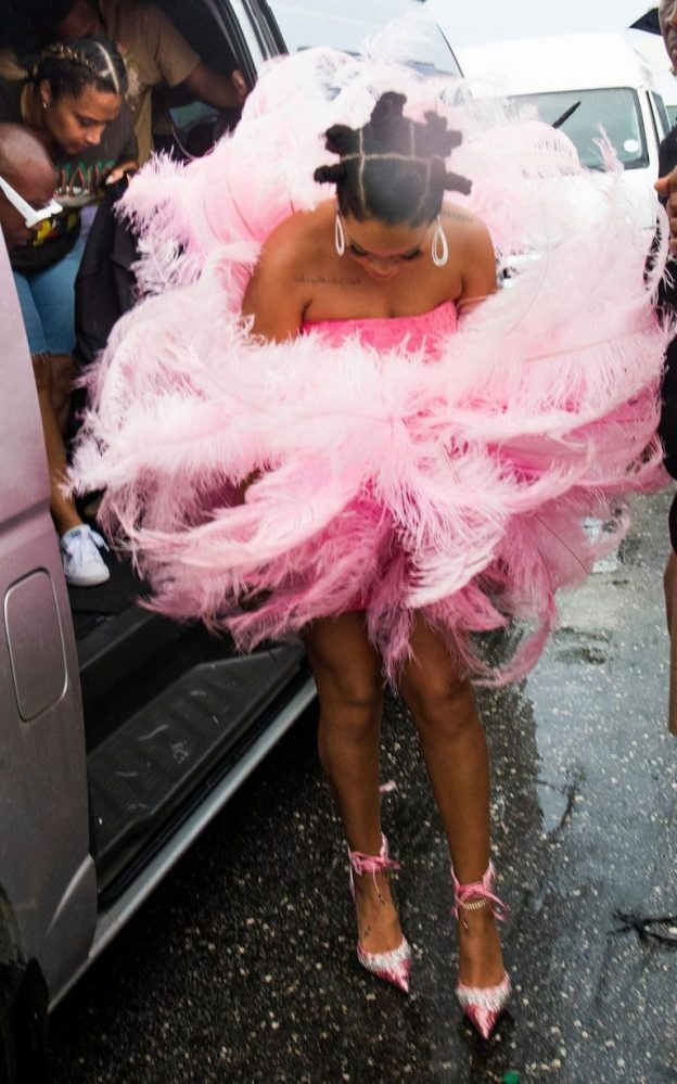 Rihanna Sexy Dress Pictures, Long Legs