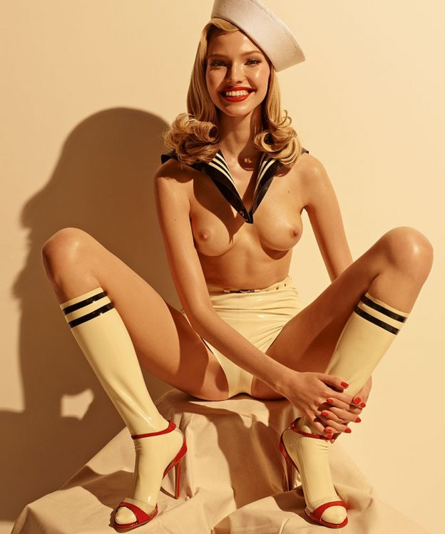 Hottie Sasha Luss shows her naked body in an explicit photo shoot