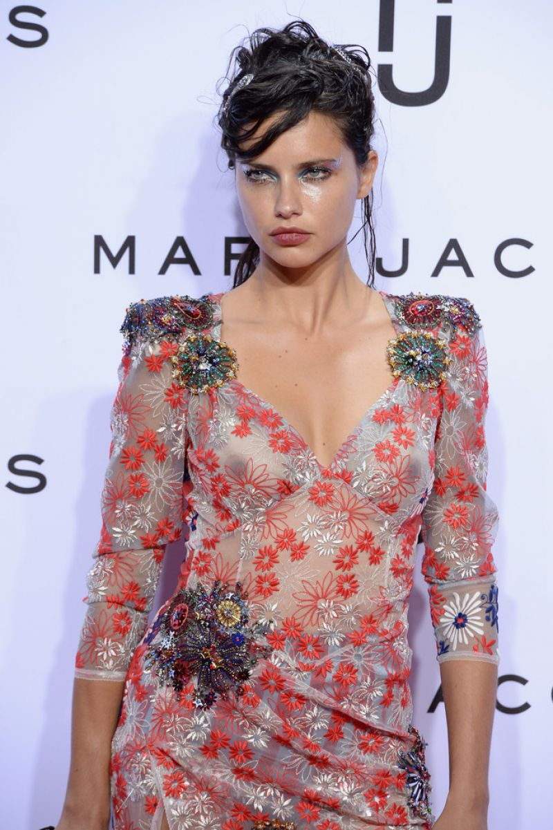 Adriana Lima Sexy Pictures, Reealing Dress