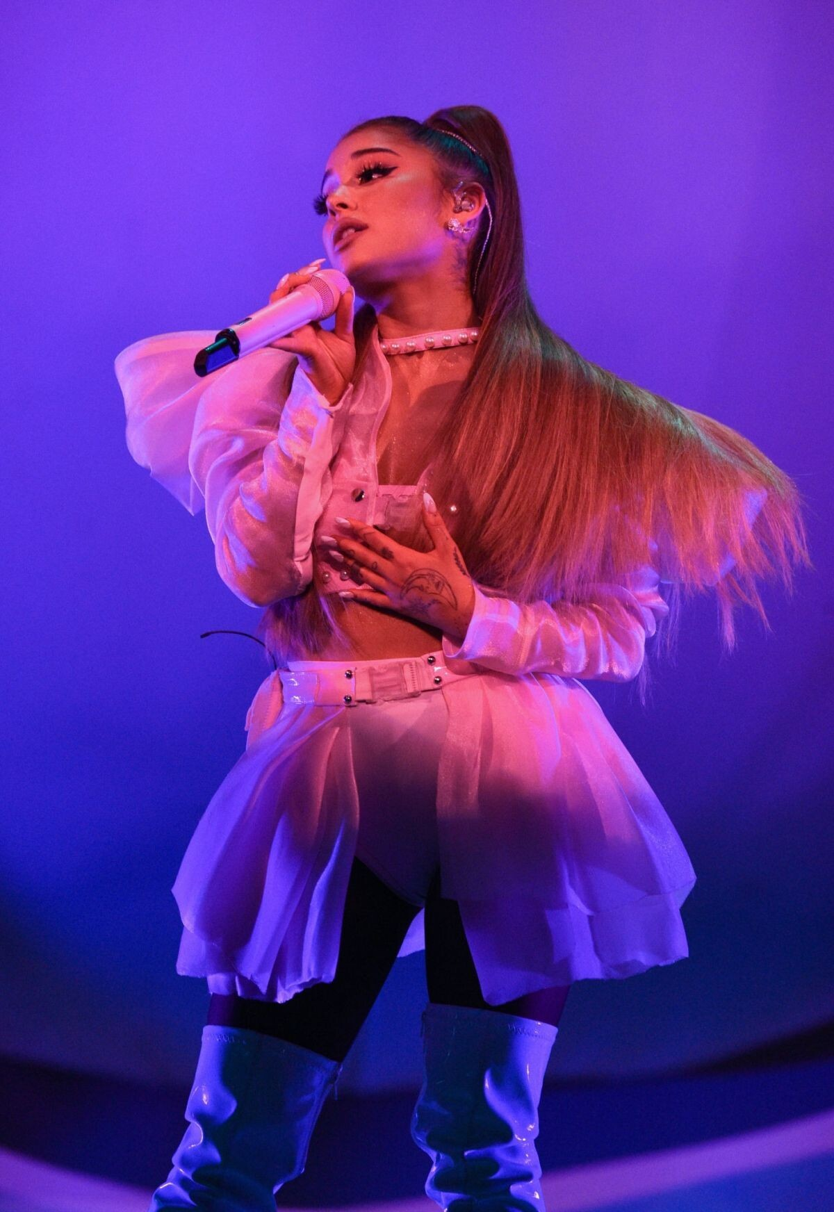 Ariana Grande Sexy Performance Photos, Short Skirt