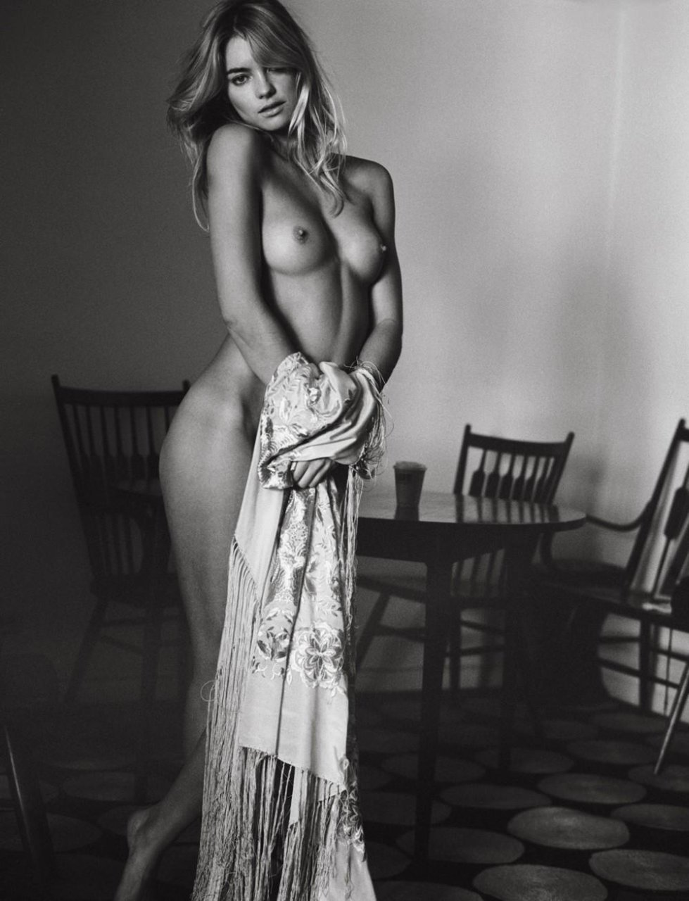 Elyse Taylor Naked Pictures, Black and White Nudity
