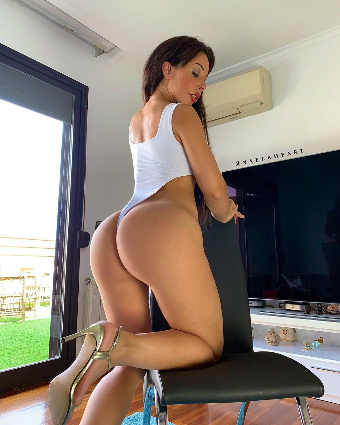 Yaela Heart Provocative Pictures, Amazing Ass