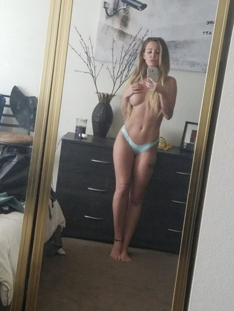 Ashley Mitchell Leaked Nude Photos, Wet Tits