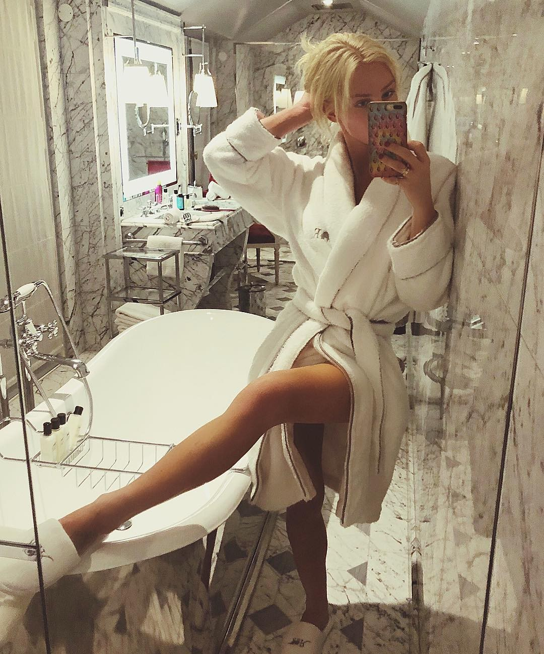 Gigi Gorgeous Nude Sexy Pictures, Big Tits