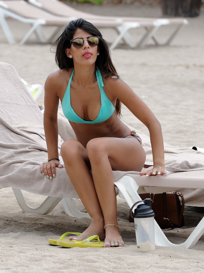 Jasmin Walia Beach Pictures, Sexy Bikini Photos
