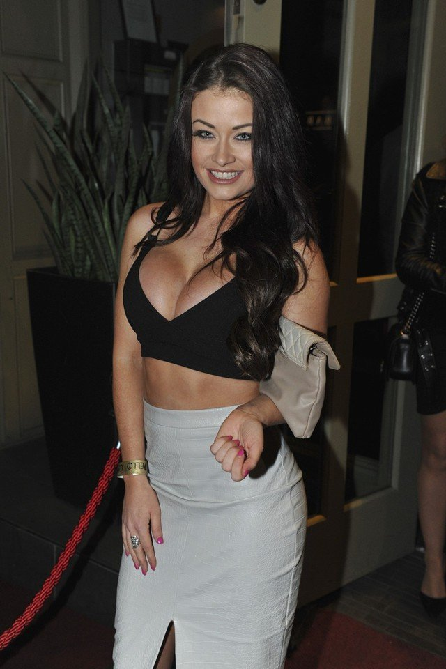 Jess Impiazzi Topless Pictures, Boob Flashing