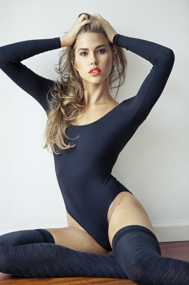 Kara Del Toro Hot Photos, Sexy in Lingerie