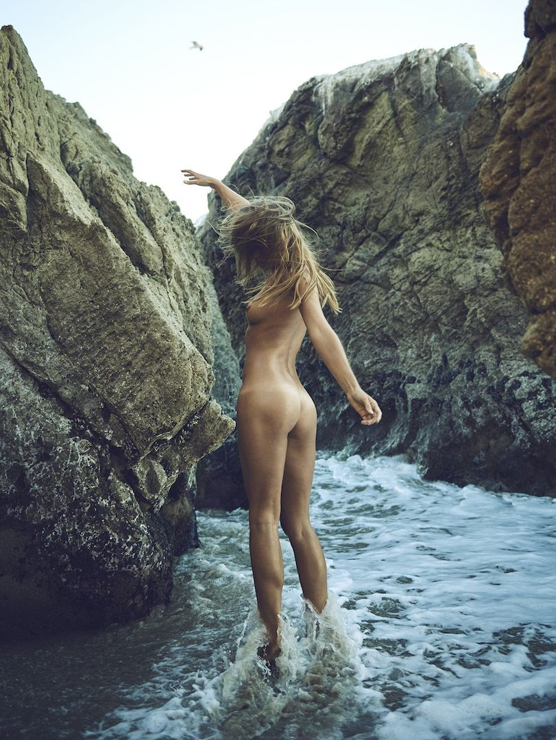 Marisa Papen Nude Beach Photos, Long Legs