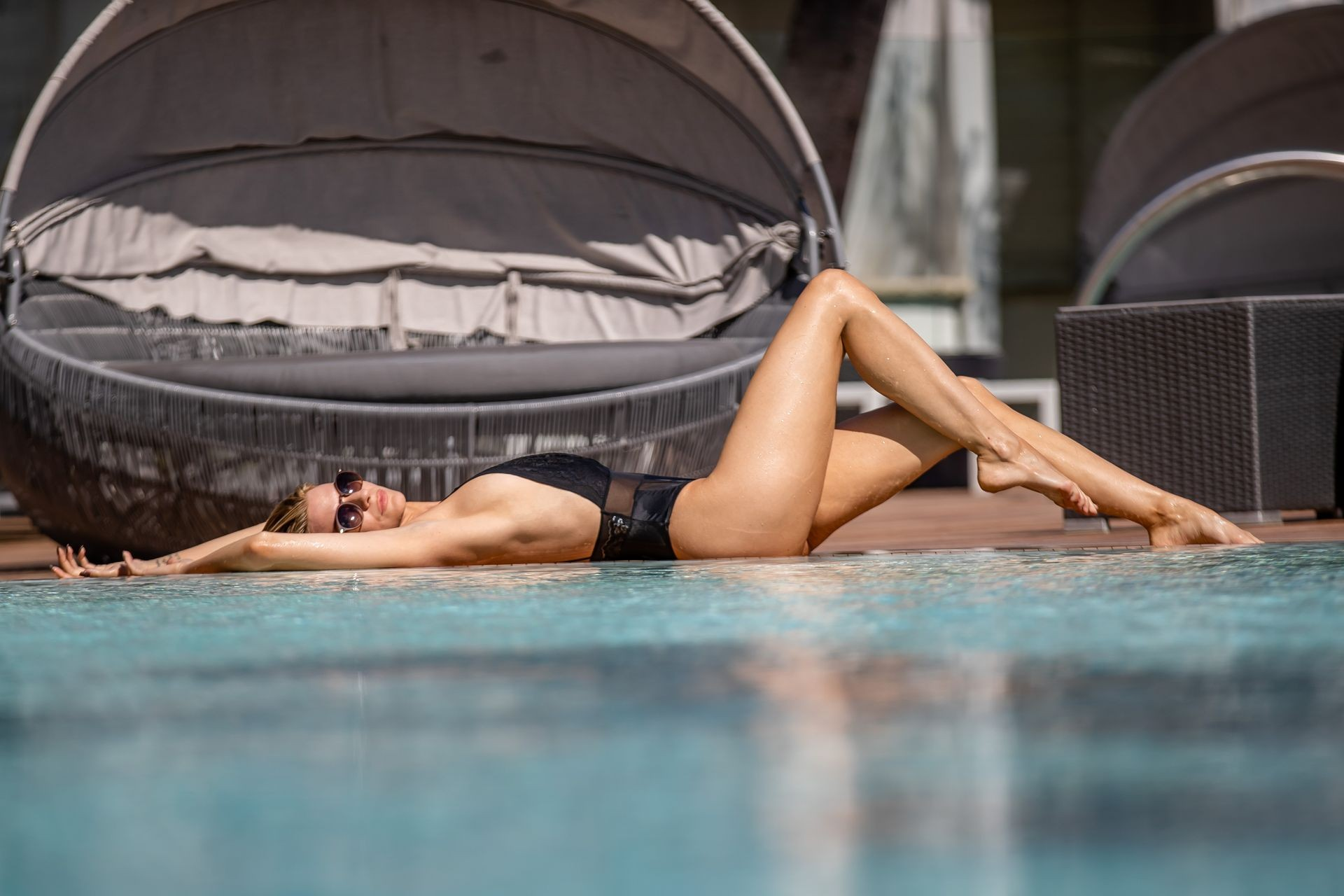 Rachel McCord Leaked Pool Photos, Long Legs