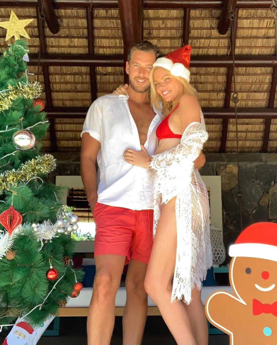 Sophie Monk Sexy Christmas Photos, Nice Tits