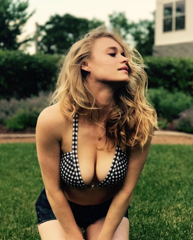Leven Rambin Leaked Nude Photos, Boob Grabbing