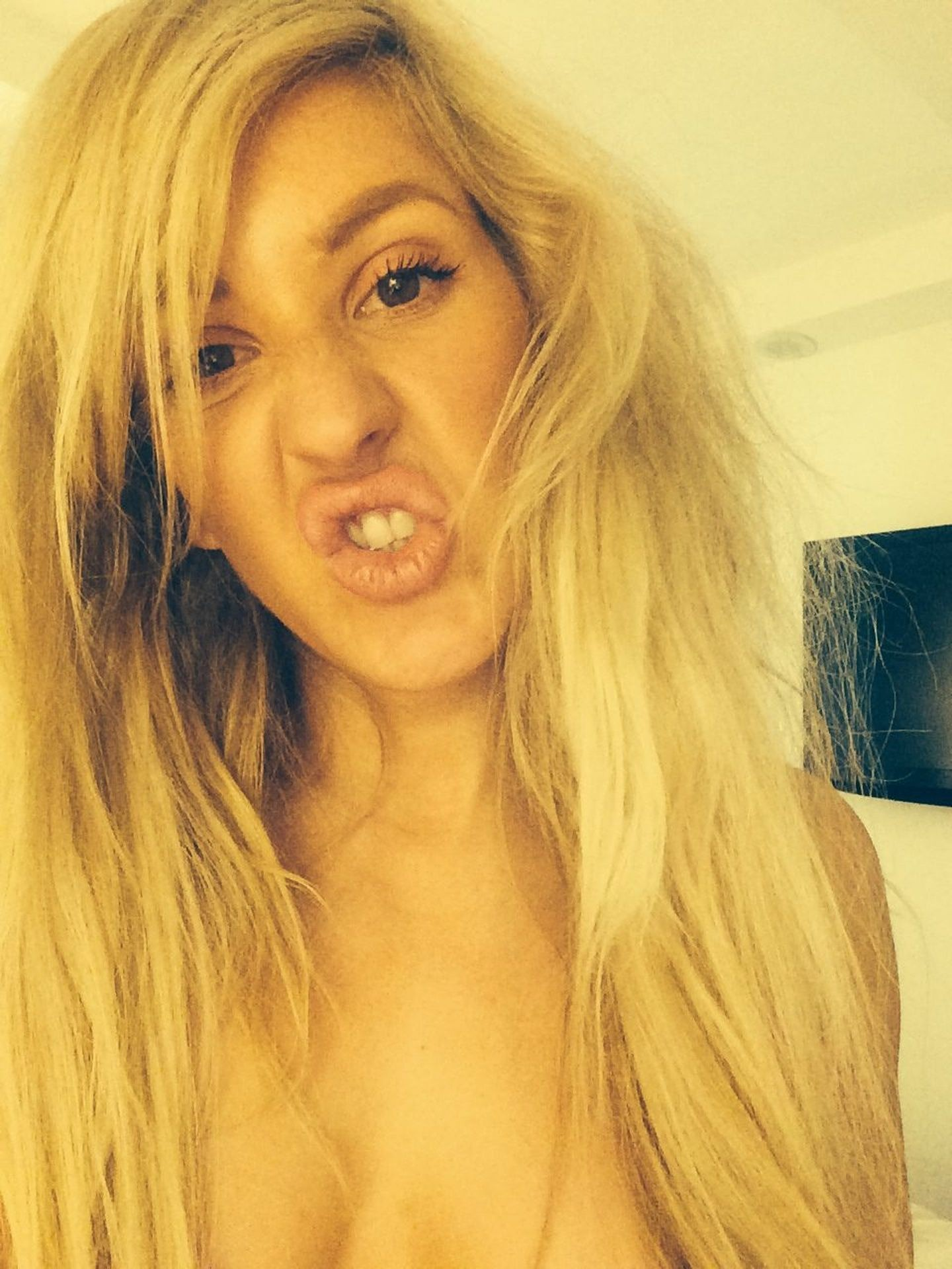 Ellie Goulding Leaked Nude Pictures, Natural Tits