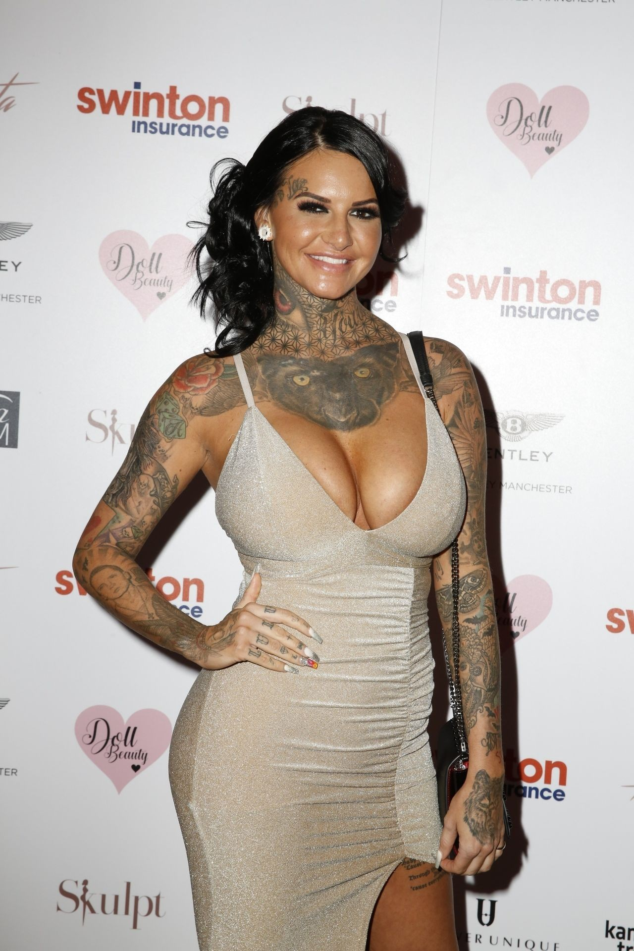 Jemma Lucy Sexy Cleavage Pictures, Tattooed Babe