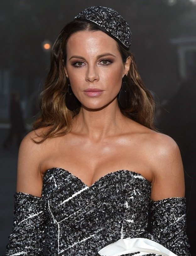Kate Beckinsale Sexy Pictures, Great Tits