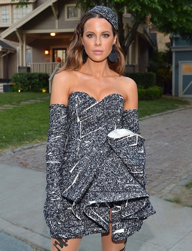 Kate Beckinsale Sexy Pictures, Great Tits   The Fappening TV