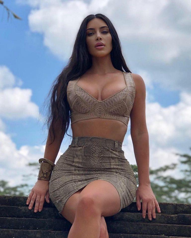 Having Nothing to Wear, Kim Kardashian Gets Completely