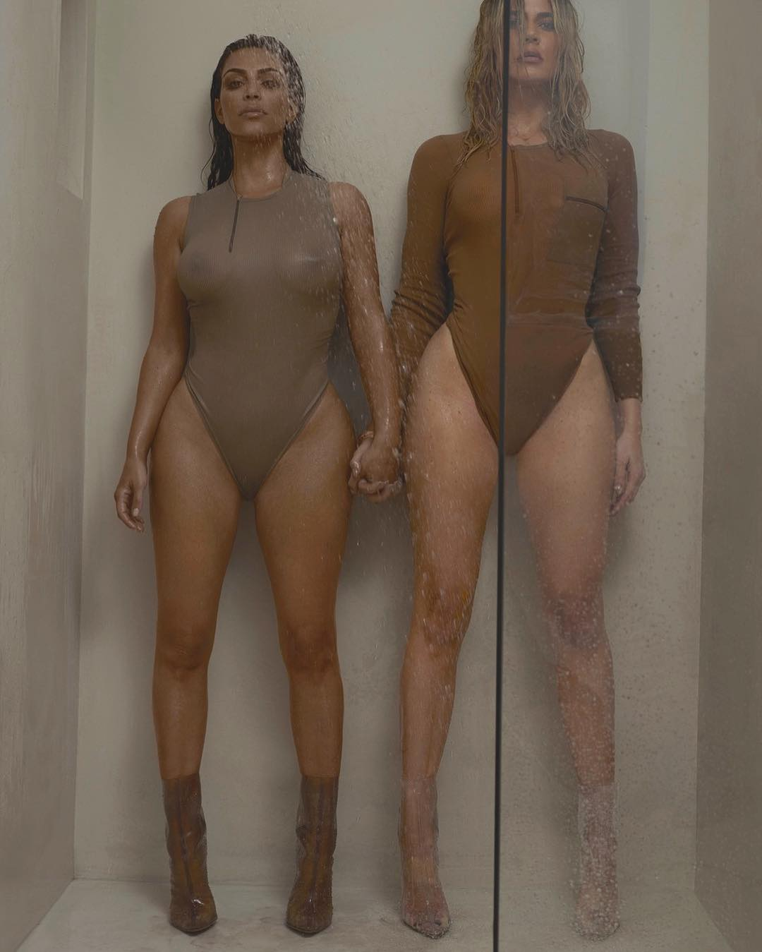 Kim And Khloé Kardashian Sexy Nude Pictures, Big Ass