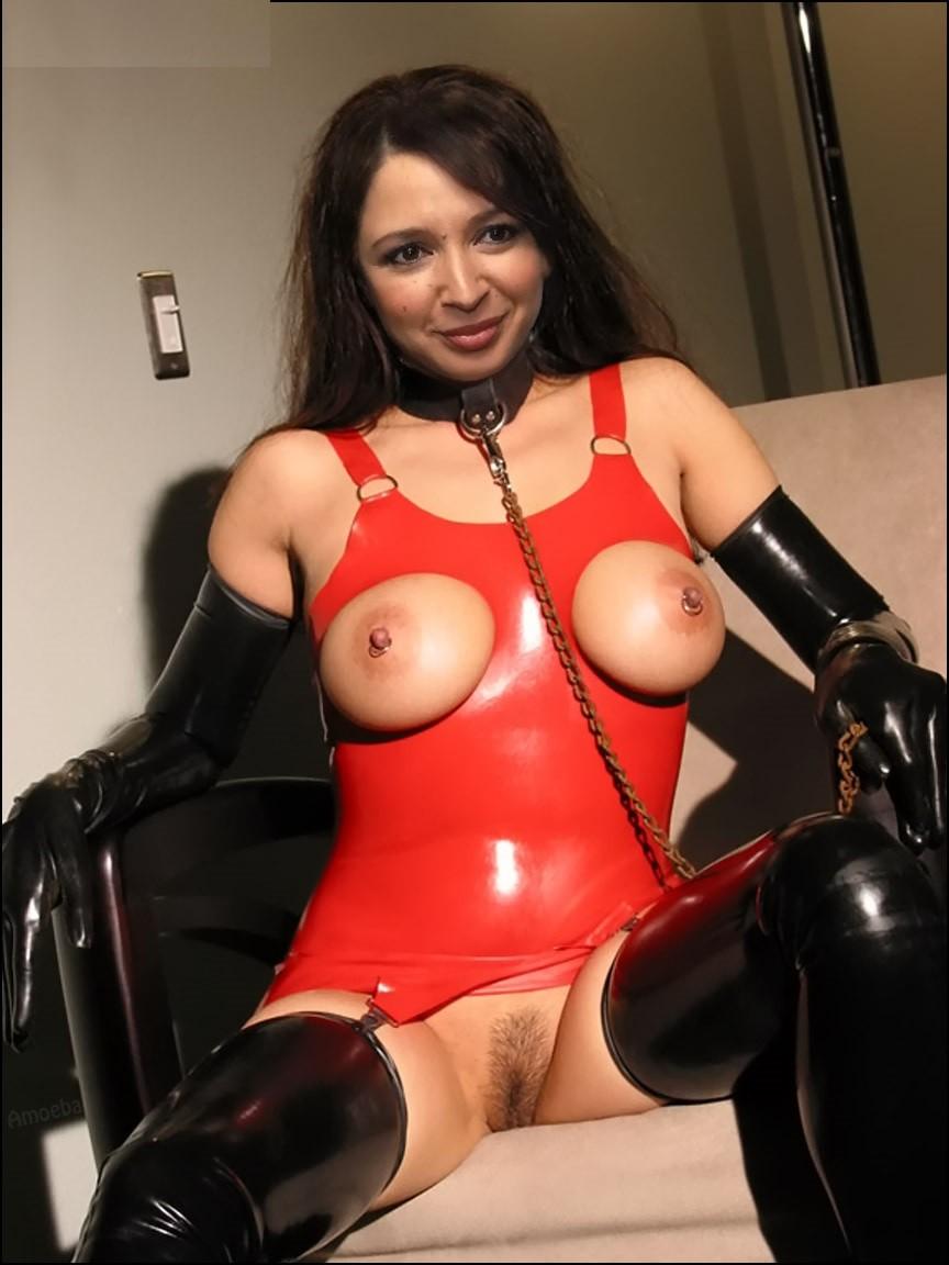 Maya Rudolph Nude Pictures, Swimsuit Nip Slip