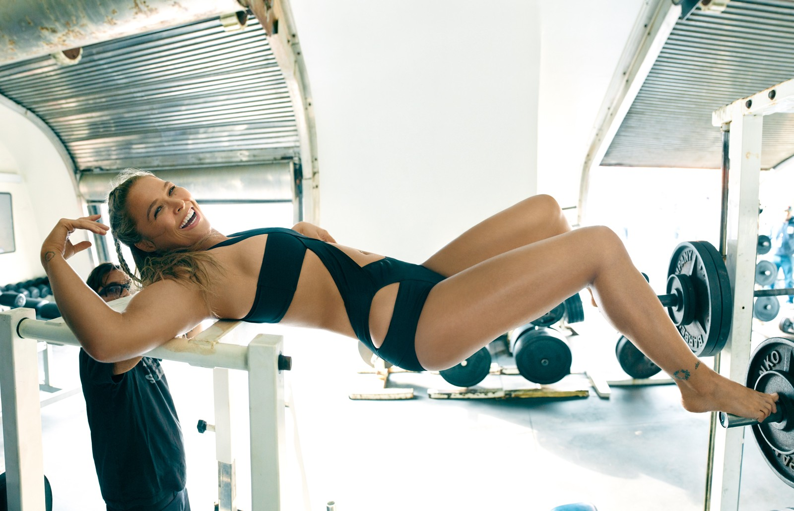 Ronda Rousey Sexy Nude Pictures, Sexy Legs