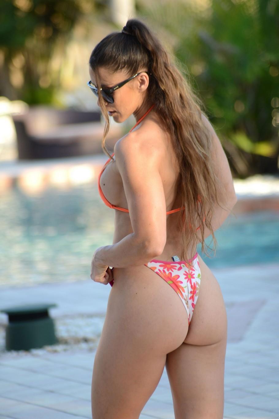 Anais Zanotti Sexy Nude Pictures, Amazing Bottom
