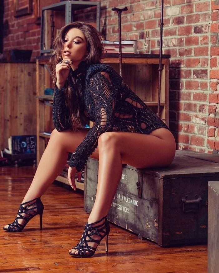 Kira Kosarin Collection of Hot Pics, Great Body