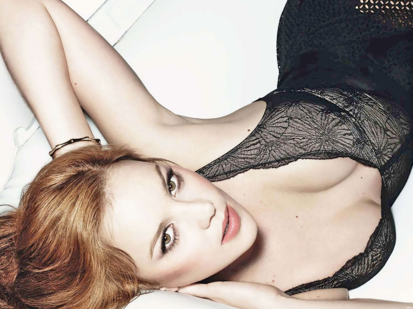 Abbie Cornish Topless