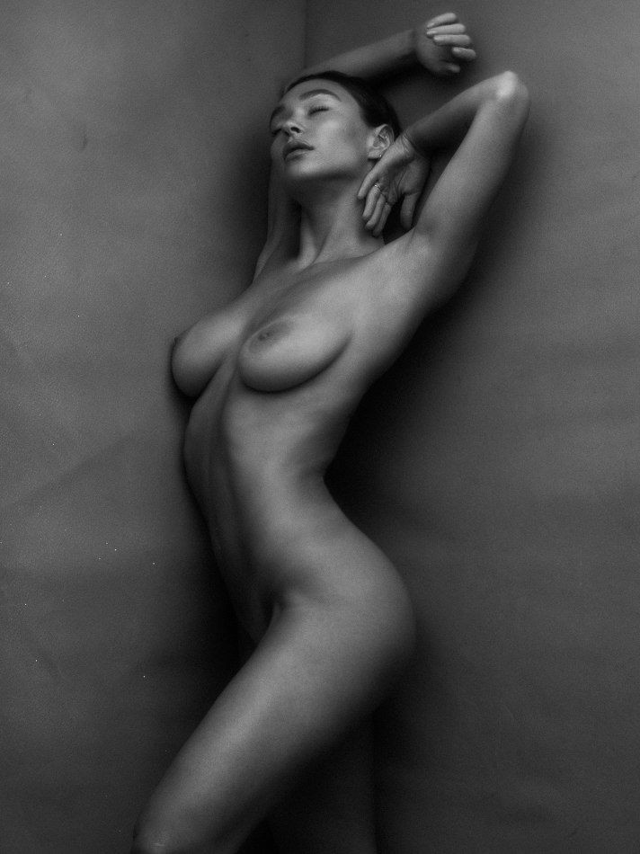 Emma Isabella Holley Nude Collection of Pics