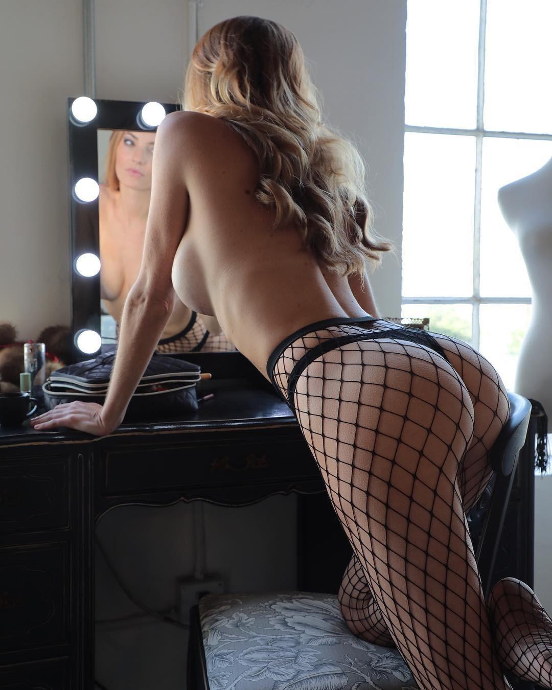 Jocelyn Binder Sexy Nude Pictures