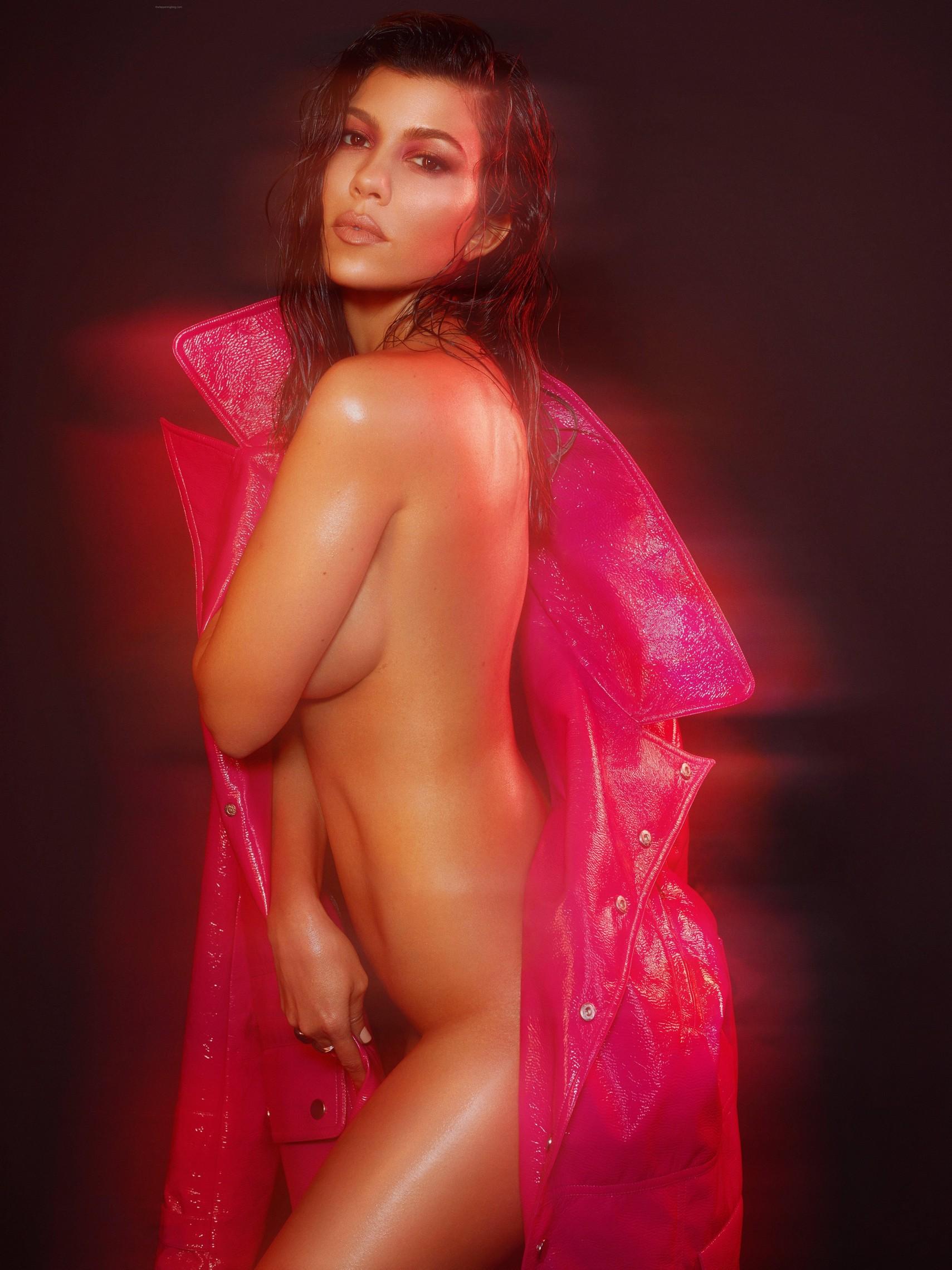 Kourtney Kardashian Leaked B&W Nudes