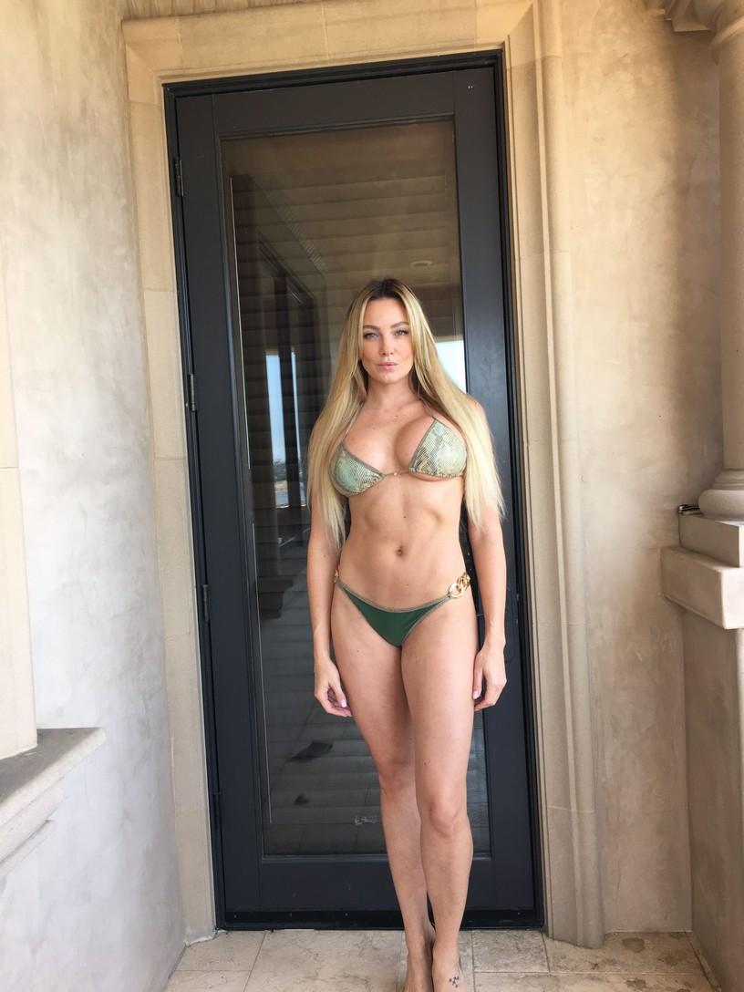 Amber Nichole Miller Leaked