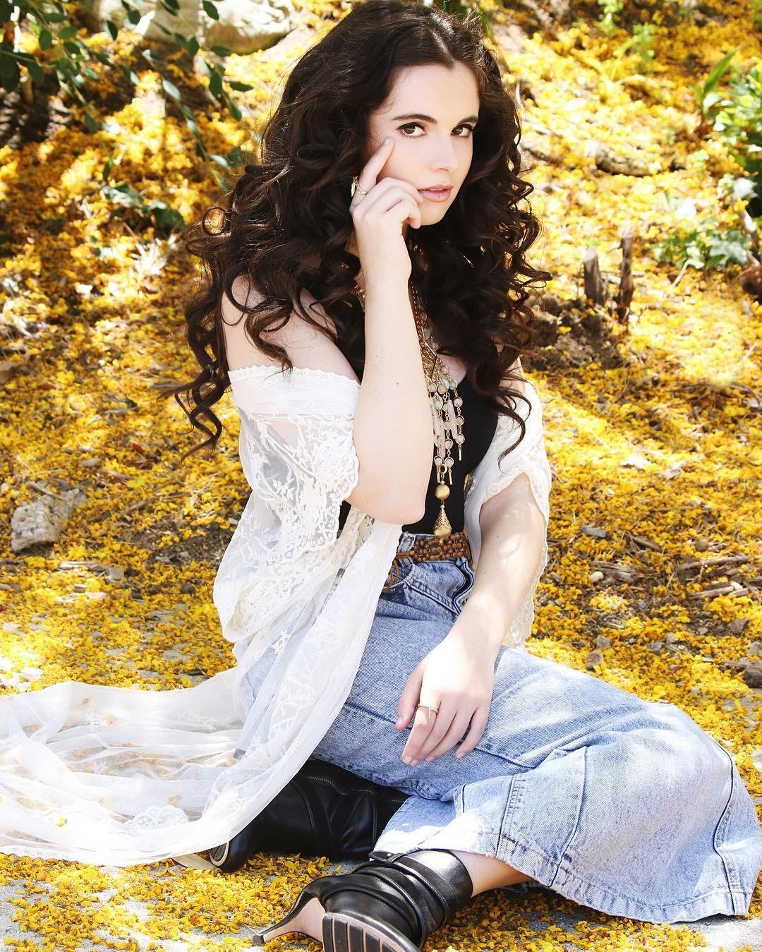 Vanessa Marano Sexy Pictures