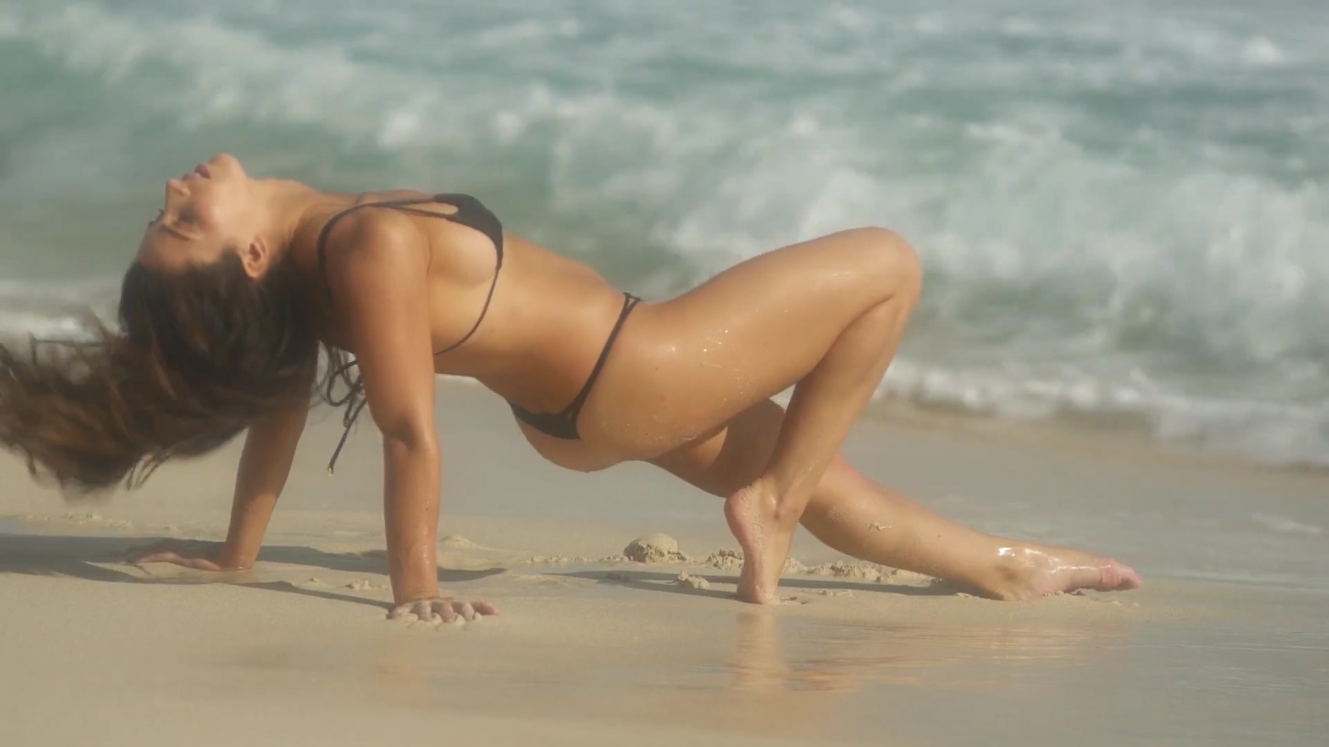Aly Raisman Really Hot Beach Pics