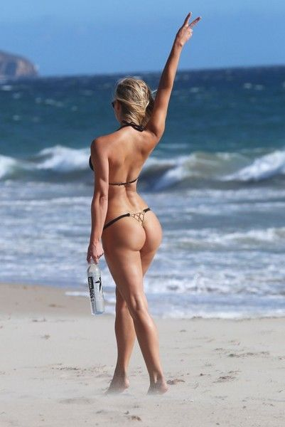 Ava Lange Sexy Topless Beach Pictures