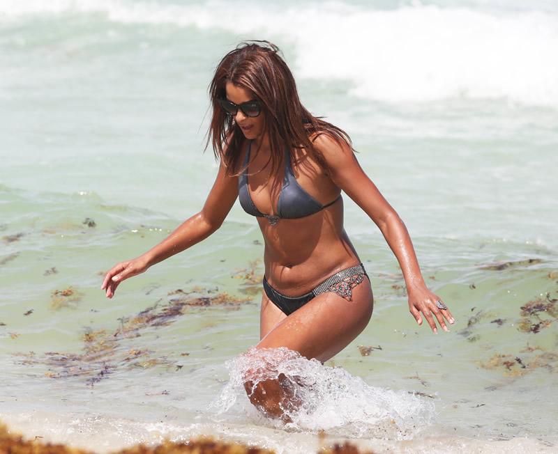 Claudia Jordan Beach Pic, Bikini and Ass