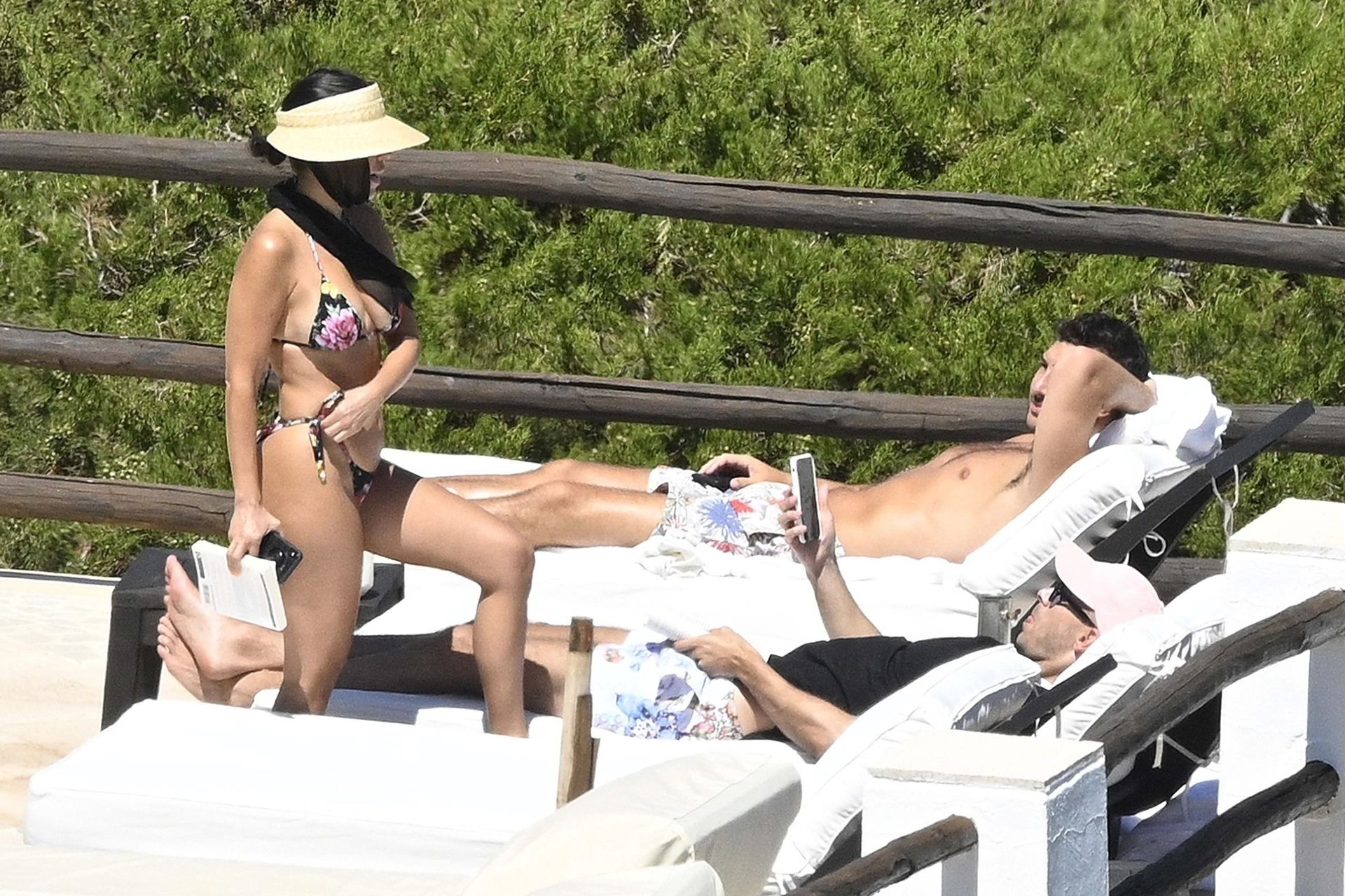 Kourtney Kardashian Bikini, Amazing Booty