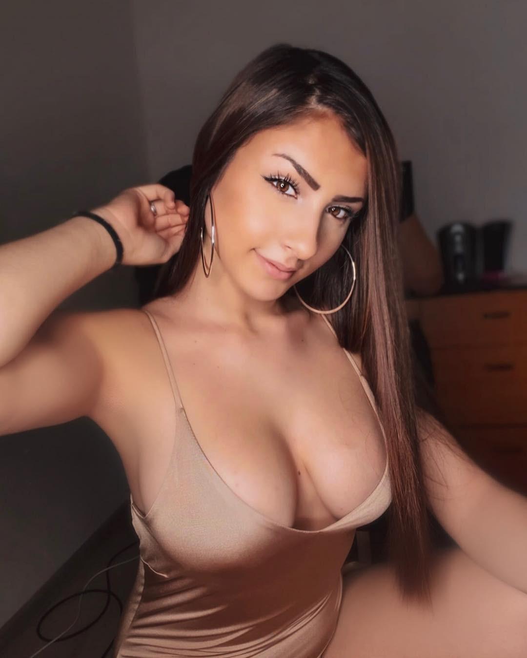 Vasilka Stoyanova aka Vazzzle Sexy Tits