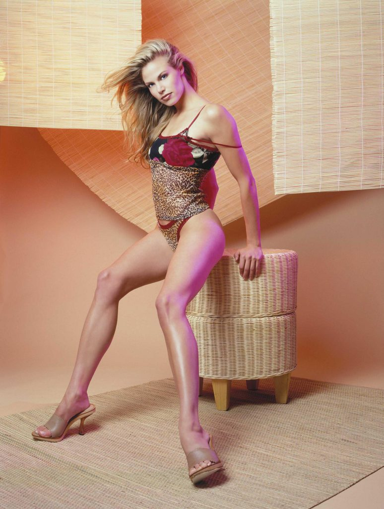 Brooke Burns Sexy