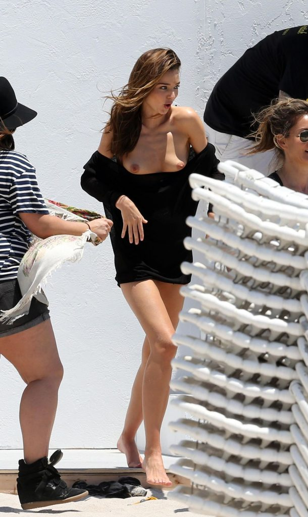 Model Miranda Kerr Naked, Tits and Nips