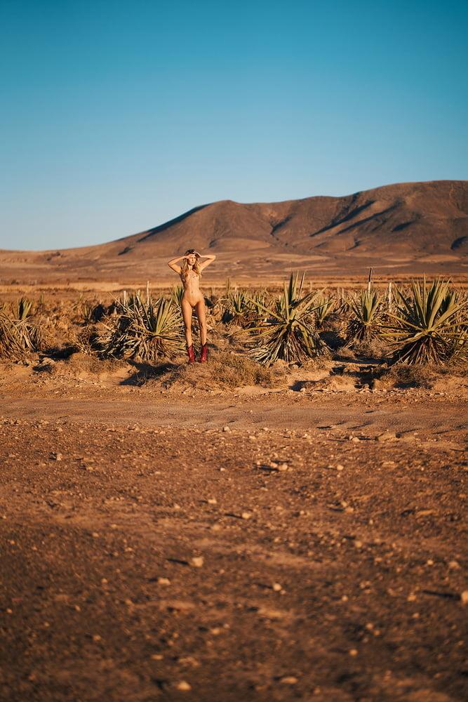 Jessica Witmann Nudes, Tall Skin Body
