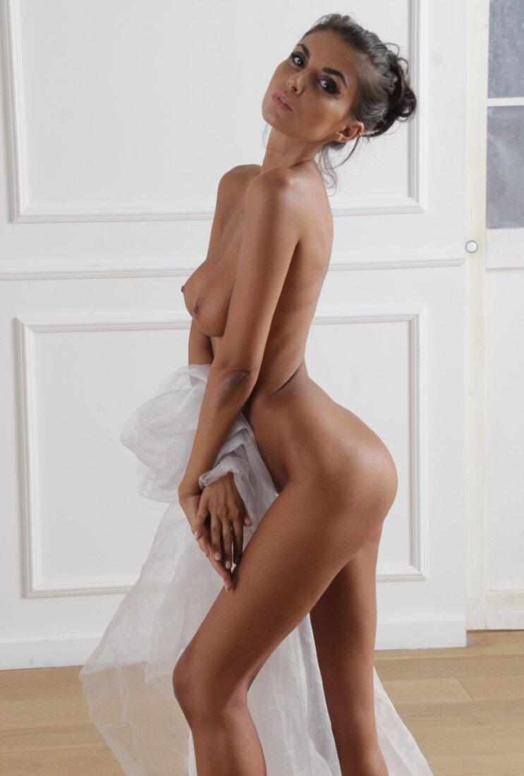 Laura Giraudi Nude