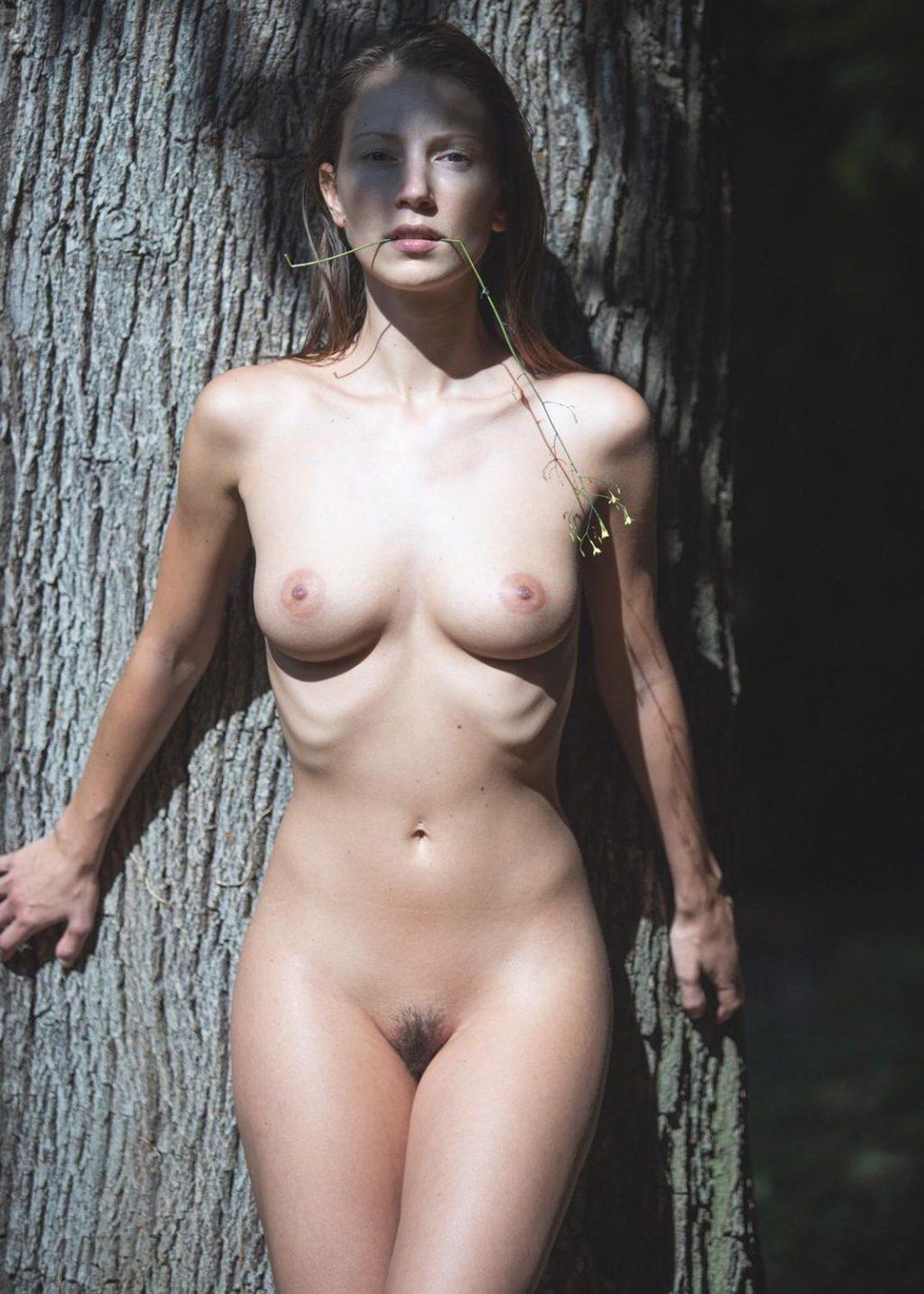 Naked Photos of Miluniel, Nice Tits