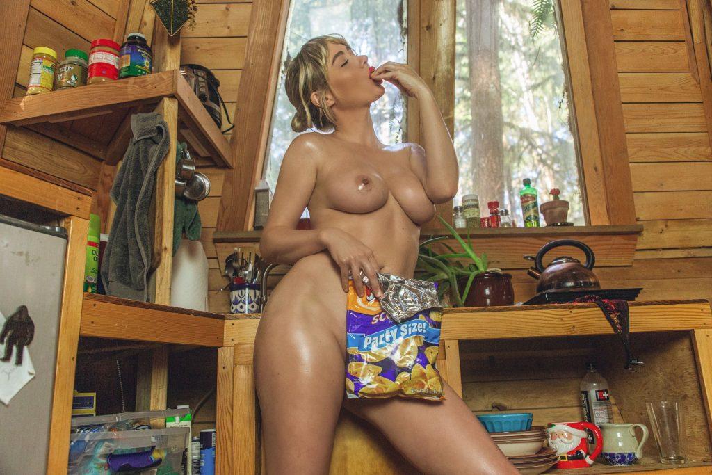 Sara Underwood Oily Pics, Big Tits
