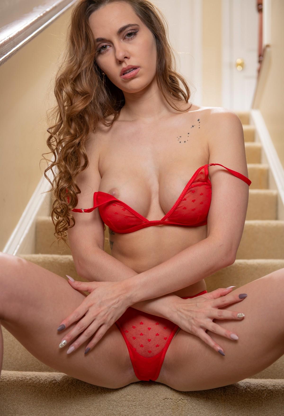 Annie Jackson Naked
