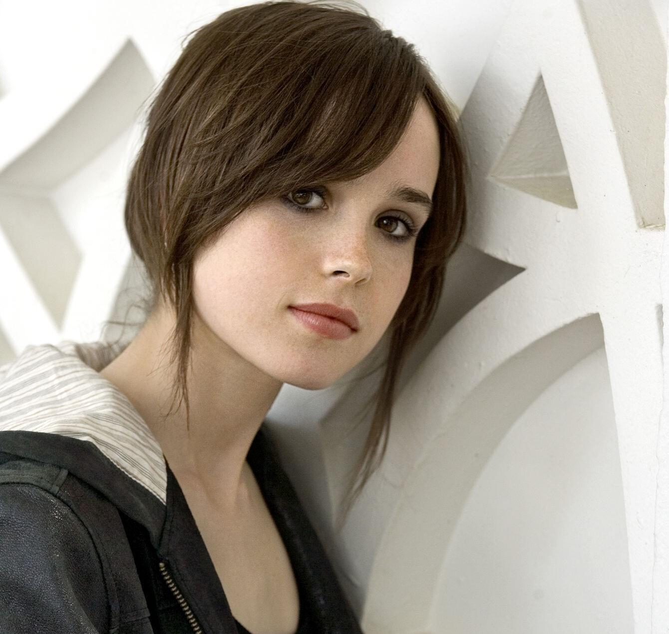 Ellen Page Sexy
