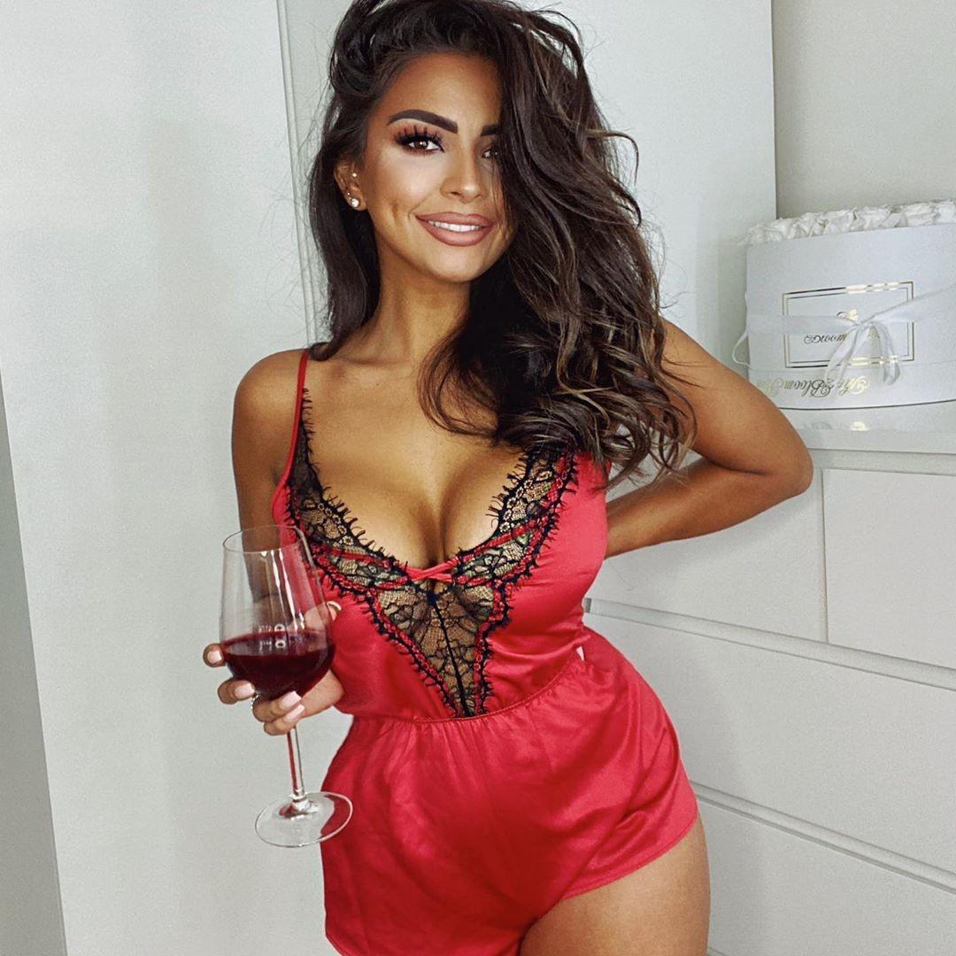 Natasha Sandhu Cleavage