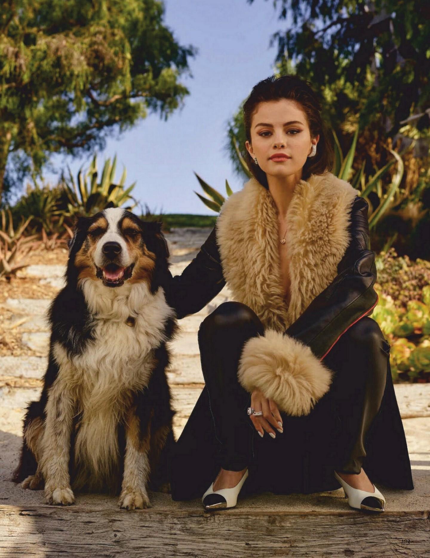 Selena Gomez Sexy
